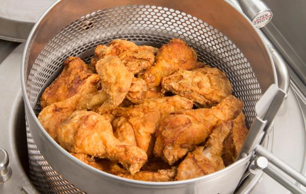 What's the Difference Between A Pressure Fryer and An Open Fryer?